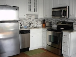 Fully equipped kitchen Dishwasher , Microwave, Stove & Refrigerator